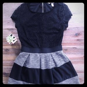 💋Adorable Fit and Flare Dress 👗